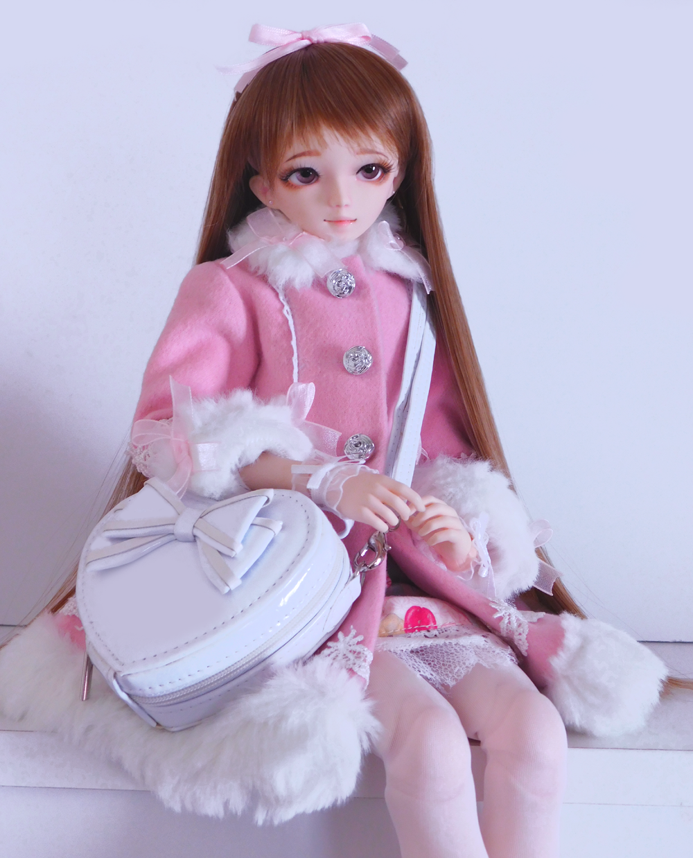 Lolita, Lolita Purse, Heart shaped bag, lolita bag, Sweet Lolita, Classic Lolita, Kawaii, Japanese fashion, Lolita bjd, Lolita doll, TaobaoRing, Taobao, Hitomi, Leekeworld Wing, Mako eyes, lolita, lolita coat, lolita winter coat, lolita bjd
