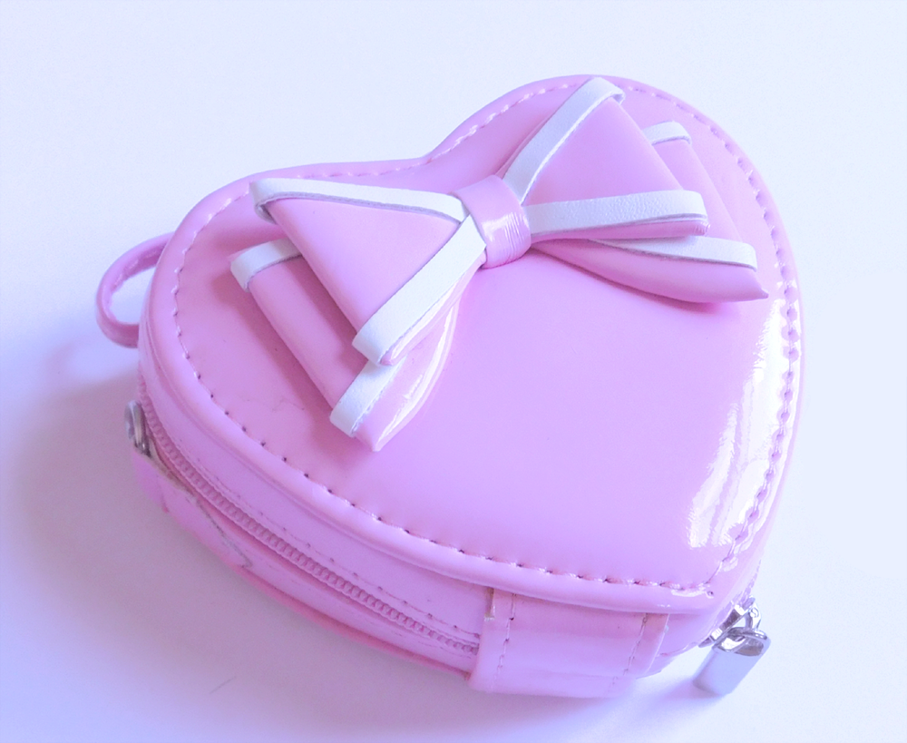Lolita, Lolita Purse, Heart shaped bag, lolita bag, Sweet Lolita, Classic Lolita, Kawaii, Japanese fashion, Lolita bjd, Lolita doll, TaobaoRing, Taobao